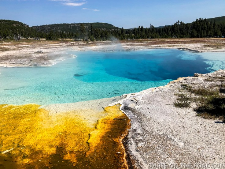Yellowstone-Thermal-4