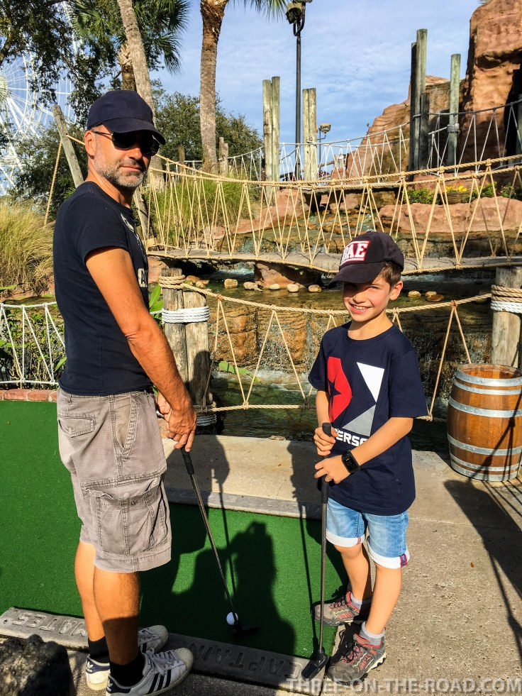 Noah Visit_Minigolf Pirates Golf, Orlando